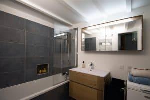Salle de bains sous mezzanine